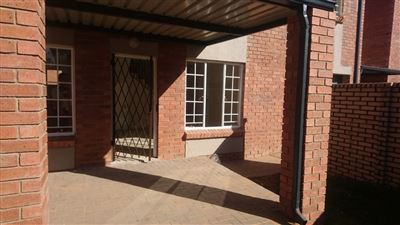 Property and Houses for sale in Raslouw Ah, Townhouse, 3 Bedrooms - ZAR 1,199,900