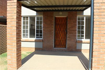 Centurion, Raslouw Ah Property  | Houses For Sale Raslouw Ah, Raslouw Ah, Townhouse 3 bedrooms property for sale Price:1,199,900