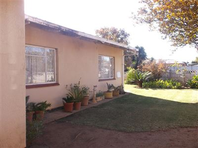 Klerksdorp, Randlespark Property  | Houses For Sale Randlespark, Randlespark, House 3 bedrooms property for sale Price:375,000