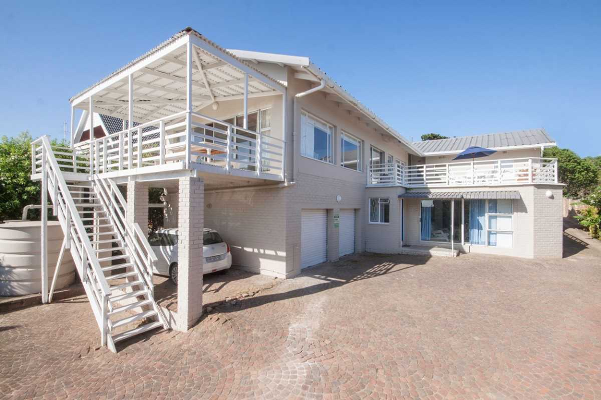 Six Bedroom Home with Views on East Bank in Port Alfred