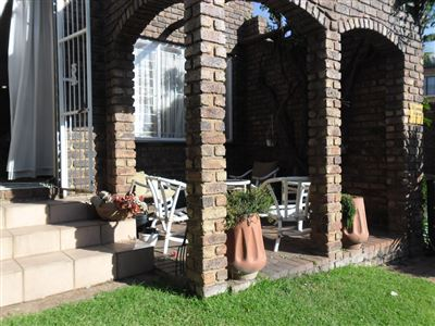Property and Houses for sale in Die Heuwel And Ext, Townhouse, 3 Bedrooms - ZAR 1,030,000
