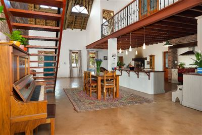 Property and Houses for sale in Pinelands, House, 5 Bedrooms - ZAR 5,750,000