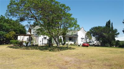 Property and Houses for sale in Stellenbosch Farms, Farms, 3 Bedrooms - ZAR 13,700,000