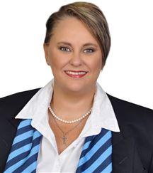 Angela Adam (UD)