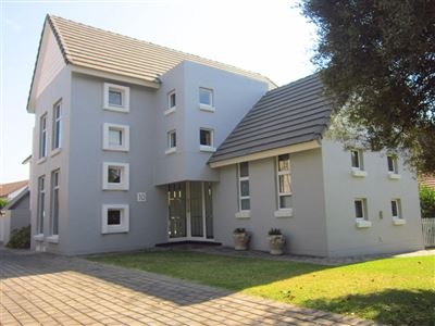 Property and Houses for sale in Moreleta Park, House, 4 Bedrooms - ZAR 4,300,000