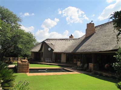 Property and Houses for sale in Leeuwfontein, House, 4 Bedrooms - ZAR 3,800,000