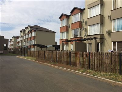 Property and Houses for sale in Montana Tuine, Flats, 2 Bedrooms - ZAR 595,000
