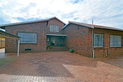 House for sale in Witpoortjie