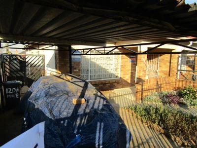 Johannesburg, Rosettenville Property  | Houses For Sale Rosettenville, Rosettenville, House 2 bedrooms property for sale Price:650,000