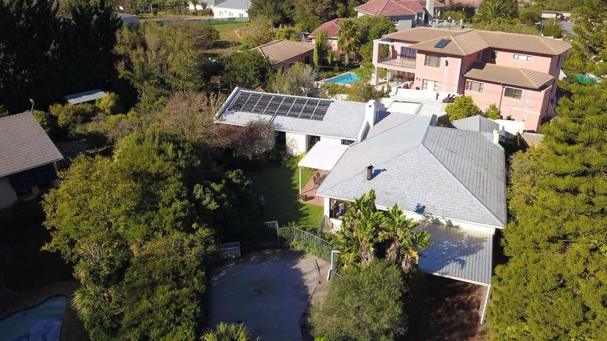 Magnificent Renovated Family Home in Somerset West