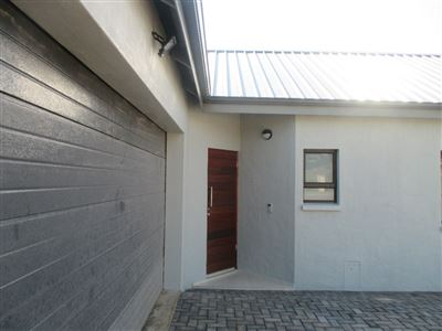 Property and Houses for sale in Roodeplaat, House, 3 Bedrooms - ZAR 2,365,000