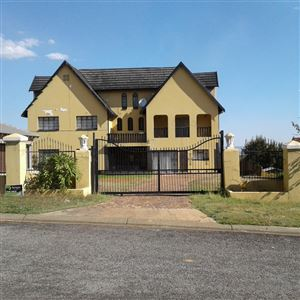 House for sale in Naturena