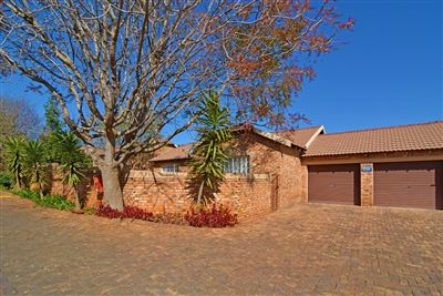 Roodepoort, Honeydew Grove Property  | Houses For Sale Honeydew Grove, Honeydew Grove, Townhouse 4 bedrooms property for sale Price:1,380,000