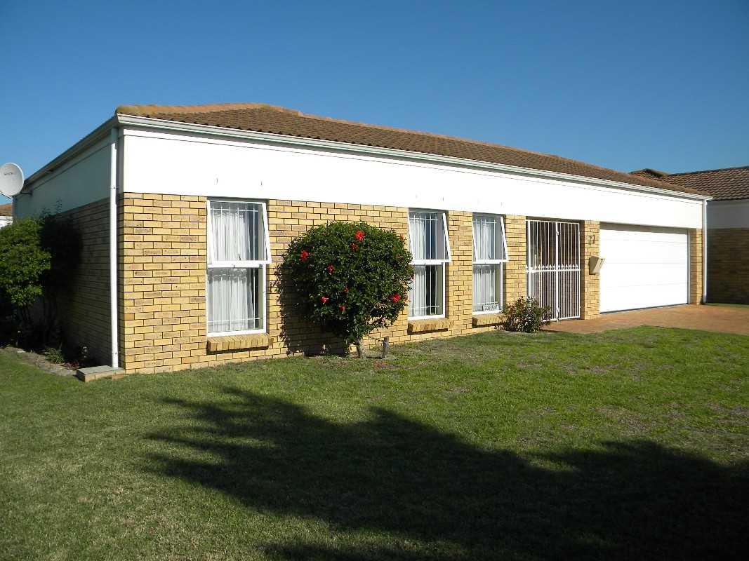 2 Bedroom House For Sale - Klaradyn Retirement, Brackenfell