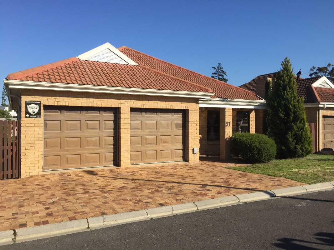 3 Beds in Elishua Villas, Durbanville