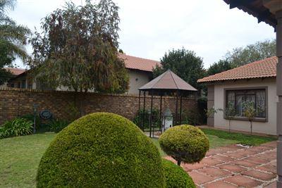 House for sale in Moreleta Park