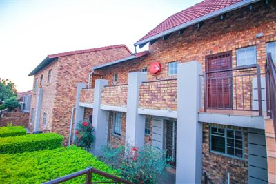 Pretoria, Theresapark And Ext Property  | Houses For Sale Theresapark And Ext, Theresapark And Ext, Apartment 1 bedrooms property for sale Price:340,000
