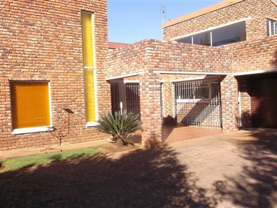 Klerksdorp, Flamwood Property  | Houses For Sale Flamwood, Flamwood, House 4 bedrooms property for sale Price:1,600,000