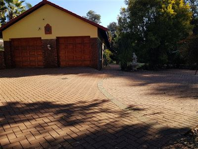 House for sale in Wierda Park