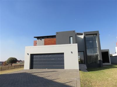 Property and Houses for sale in Copperleaf Estate, House, 4 Bedrooms - ZAR 4,995,000