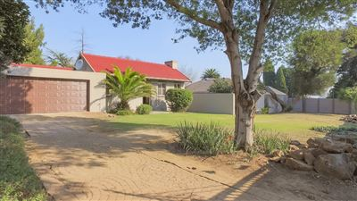 Property and Houses for sale in Brackenhurst And Ext, House, 3 Bedrooms - ZAR 1,750,000