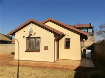 Soweto, Protea Glen Property  | Houses For Sale Protea Glen, Protea Glen, House 3 bedrooms property for sale Price:670,000