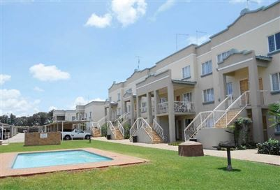 Flats for sale in Kannoniers Park