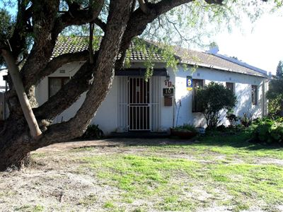 Goodwood, Edgemead Property  | Houses For Sale Edgemead, Edgemead, House 3 bedrooms property for sale Price:1,800,000