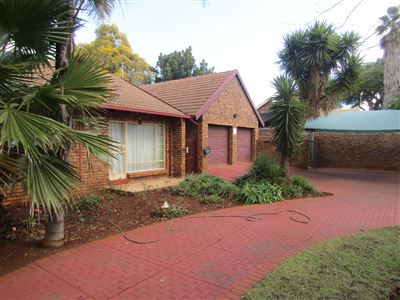 Property and Houses for sale in Doornpoort - Page 2, House, 4 Bedrooms - ZAR 1,500,000