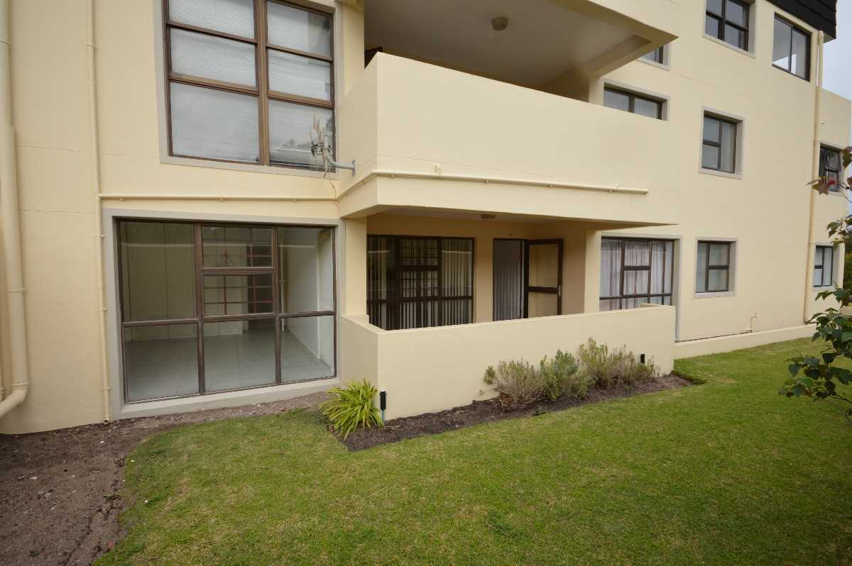 Lock Up and Go - Flat for sale in Kleinmond | Western Cape