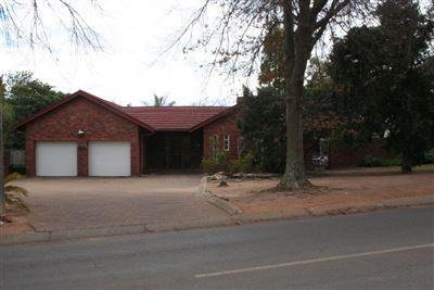 Piet Retief, Piet Retief Property  | Houses For Sale Piet Retief, Piet Retief, House 5 bedrooms property for sale Price:1,780,000