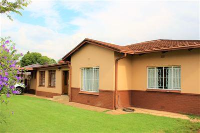 Krugersdorp, Krugersdorp North Property    Houses For Sale Krugersdorp North, Krugersdorp North, House 3 bedrooms property for sale Price:849,000