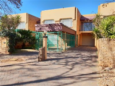 Property and Houses to rent in Irenepark, Townhouse, 3 Bedrooms - ZAR ,  6,50*,M