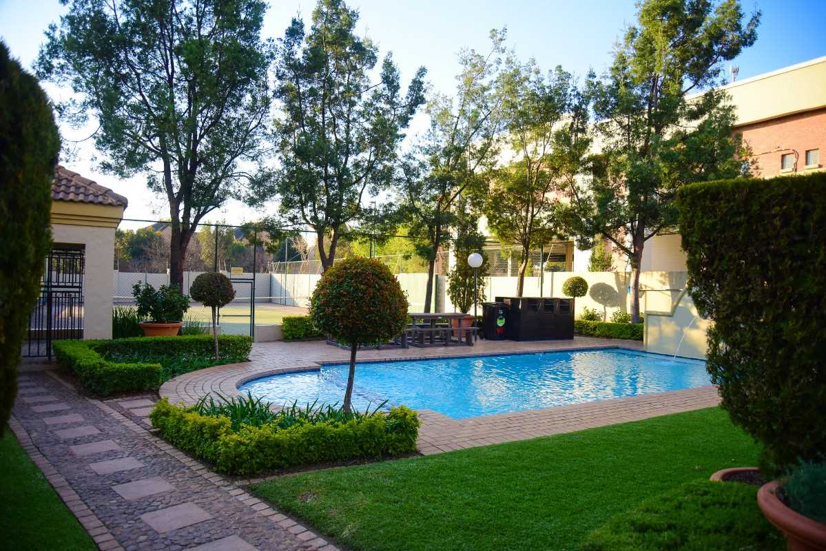 2 Bed 2 bath apartment for SALE in Douglasdale