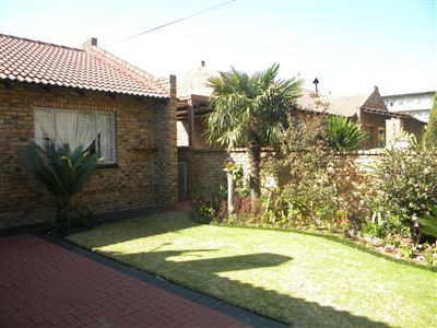 Property and Houses for sale in Reyno Ridge And Ext, Townhouse, 3 Bedrooms - ZAR 1,196,000
