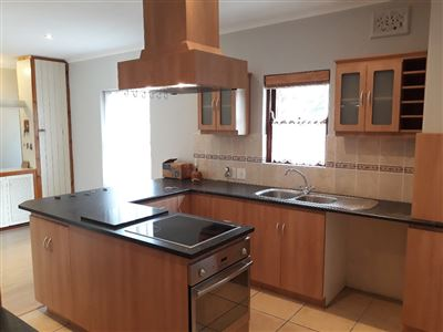 Cape Town, Bergvliet Property  | Houses To Rent Bergvliet, Bergvliet, House 3 bedrooms property to rent Price:, 17,00*