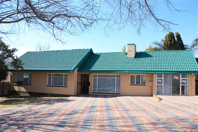 Krugersdorp, Silverfields Property  | Houses For Sale Silverfields, Silverfields, House 3 bedrooms property for sale Price:1,150,000