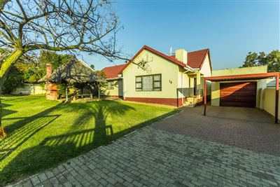 Roodepoort, Lindhaven Property  | Houses For Sale Lindhaven, Lindhaven, House 4 bedrooms property for sale Price:950,000