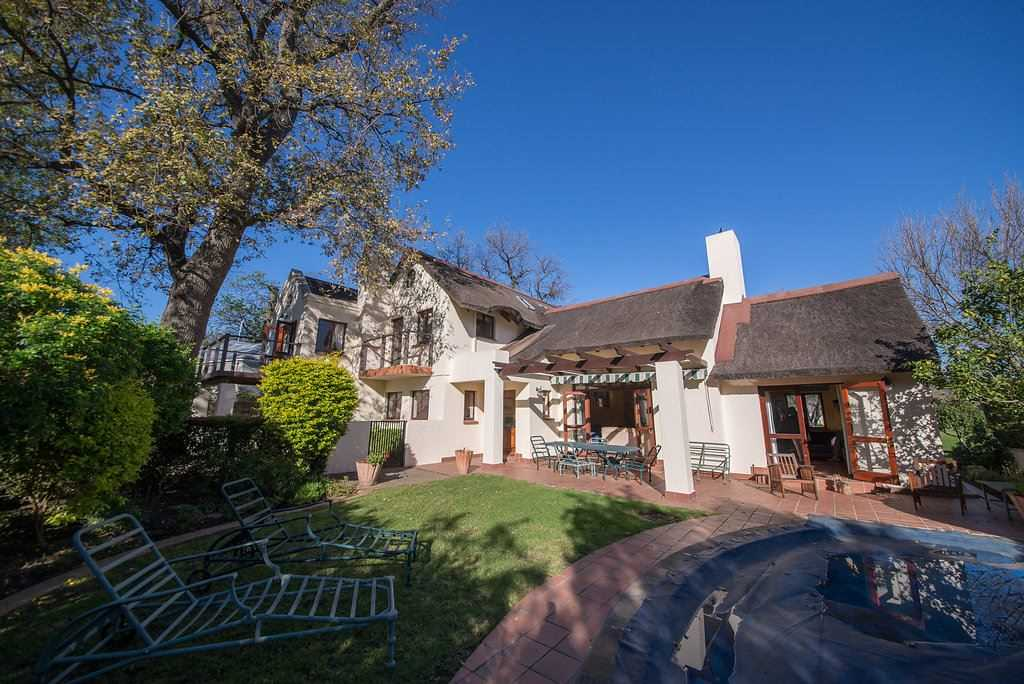 Character Thatch in Erinvale Golf Estate, Somerset West