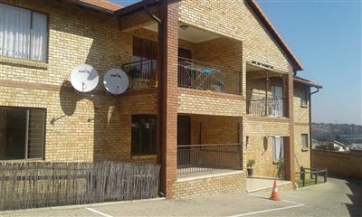 Property and Houses for sale in Elandshaven, Townhouse, 3 Bedrooms - ZAR 985,000