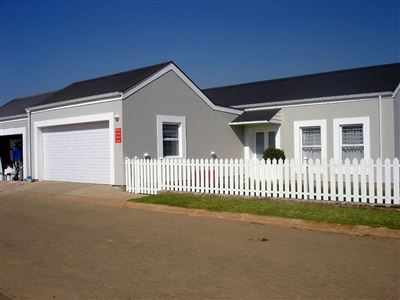 Property and Houses for sale in Erasmus Park, Townhouse, 3 Bedrooms - ZAR 2,350,000