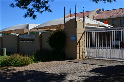 Roodepoort, Horison Property  | Houses For Sale Horison, Horison, Townhouse 2 bedrooms property for sale Price:599,000
