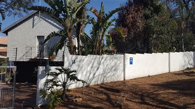 Property and Houses for sale in South Crest, House, 4 Bedrooms - ZAR 1,999,000
