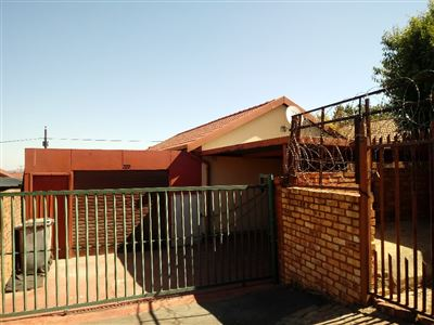 Property and Houses for sale in Danville, House, 3 Bedrooms - ZAR 720,000