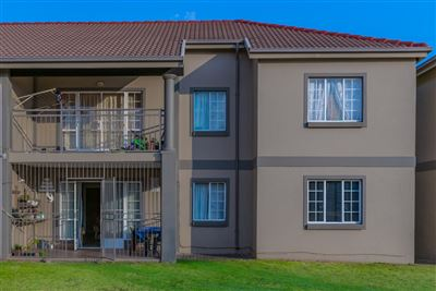 Roodekrans property for sale. Ref No: 13661315. Picture no 1