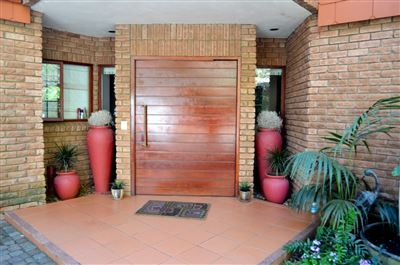 Property and Houses for sale in Eldoraigne, House, 4 Bedrooms - ZAR 4,995,000