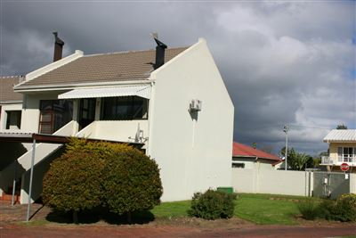 Property and Houses for sale in Paarl Central - Page 4, Townhouse, 2 Bedrooms - ZAR 1,295,000
