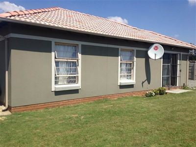 Property and Houses for sale in Pretoria West, House, 3 Bedrooms - ZAR 896,750