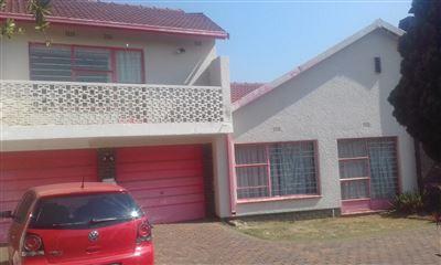 Johannesburg, Ridgeway Property  | Houses For Sale Ridgeway, Ridgeway, House 5 bedrooms property for sale Price:1,950,000