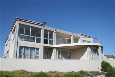 Yzerfontein property for sale. Ref No: 13436590. Picture no 20